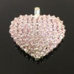 Ezüst medál. Rózsaszínű cirkónia kövek. 25x30mm 11.900ft