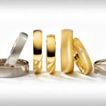 Különböző színű (ötvözetű) karikagyűrűk.