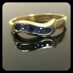 ZAFIR köves gyűrű. Sárga arany. Szélesség:3.5mm Méret:53.5 5db (D 2mm ) zafir.
